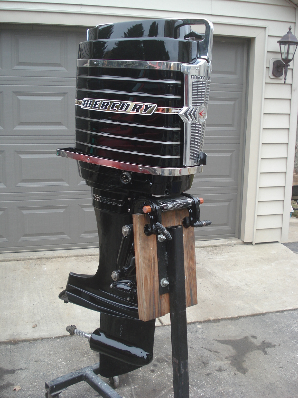 Classic mercury outboards pics completed motors for Mercury marine motors price
